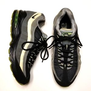 "Nike Air Max Gs ""electric glow green"" Sz/7"